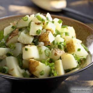 Zdravý libanonský zemiakový šalát | eatingwell.com