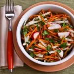 mrkvovo-reďkovkový šalát s koriandrom | kalynskitchen.com