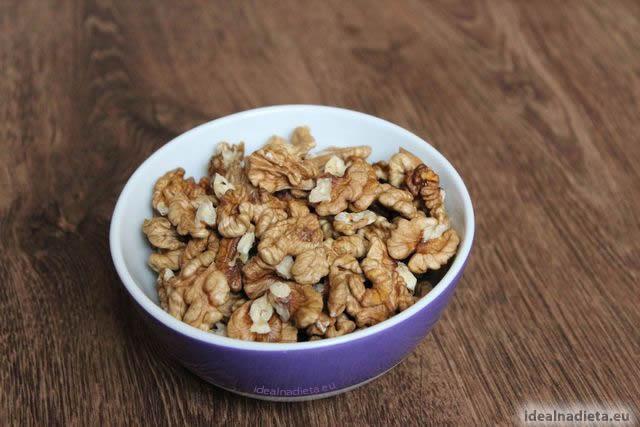 vlašské orechy obsahujú zdravé tuky