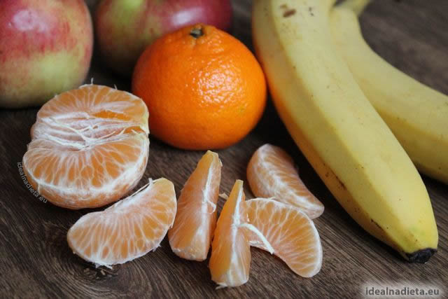 vitamíny, mandarinka, banán, jablko