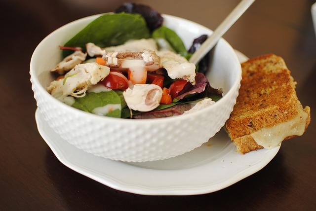 salat s kuracim masom