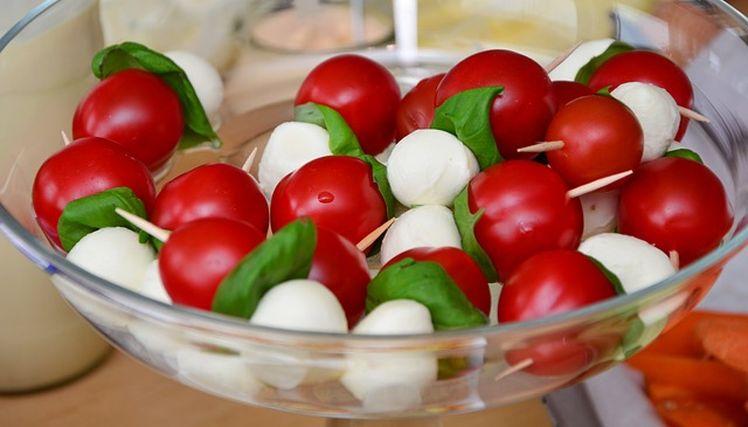 paradajky so syrom mozarella nizkosacharidova strava na chudnutie